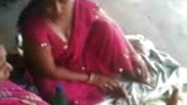 তিনি www বাংলা xx পিপে মধ্যে একটি গাড়ী ঘটেছে এবং তার ধর্ষিত