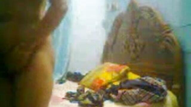 ধর্ষিত বাংলা ভিডিও xx মেয়ে টেবিলের সাথে বন্ধু তার