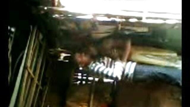 ছাত্র এবং xx video বাংলা তাদের ভুল লিঙ্গ