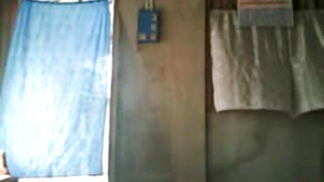 মেয়ে সমকামী, গুদে বাংলা xx video হাত ঢোকানর