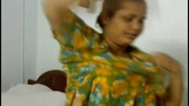 পানি ও বাগানে দাড়ি video xx বাংলা মানুষের একটি যুবক সঙ্গে হাঁস দেখতে