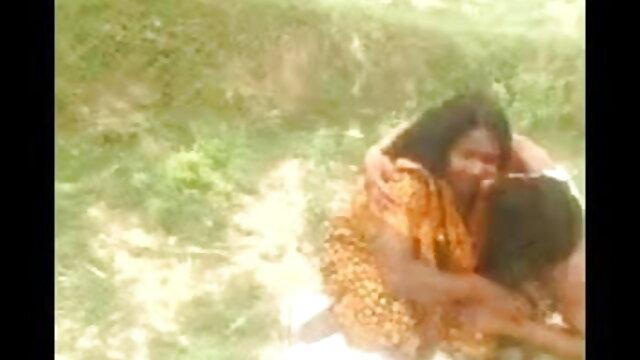 সে পোষাক বাংলা দেশি xx ছিঁড়ে তার বোনকে ধর্ষণ করেছে