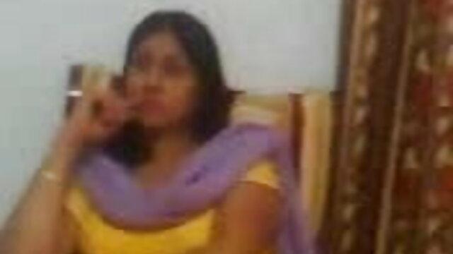 আমি আমার স্ত্রীর সাথে বাংলা 3 xx গোসল করছি.